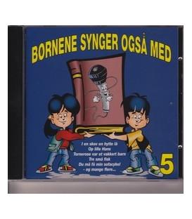 Børnene synger også med 5