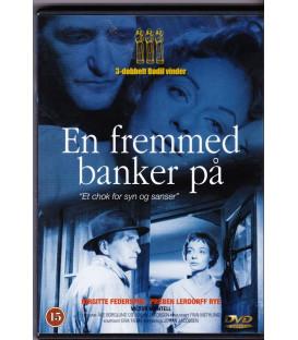 En fremmed banker på - DVD - BRUGT